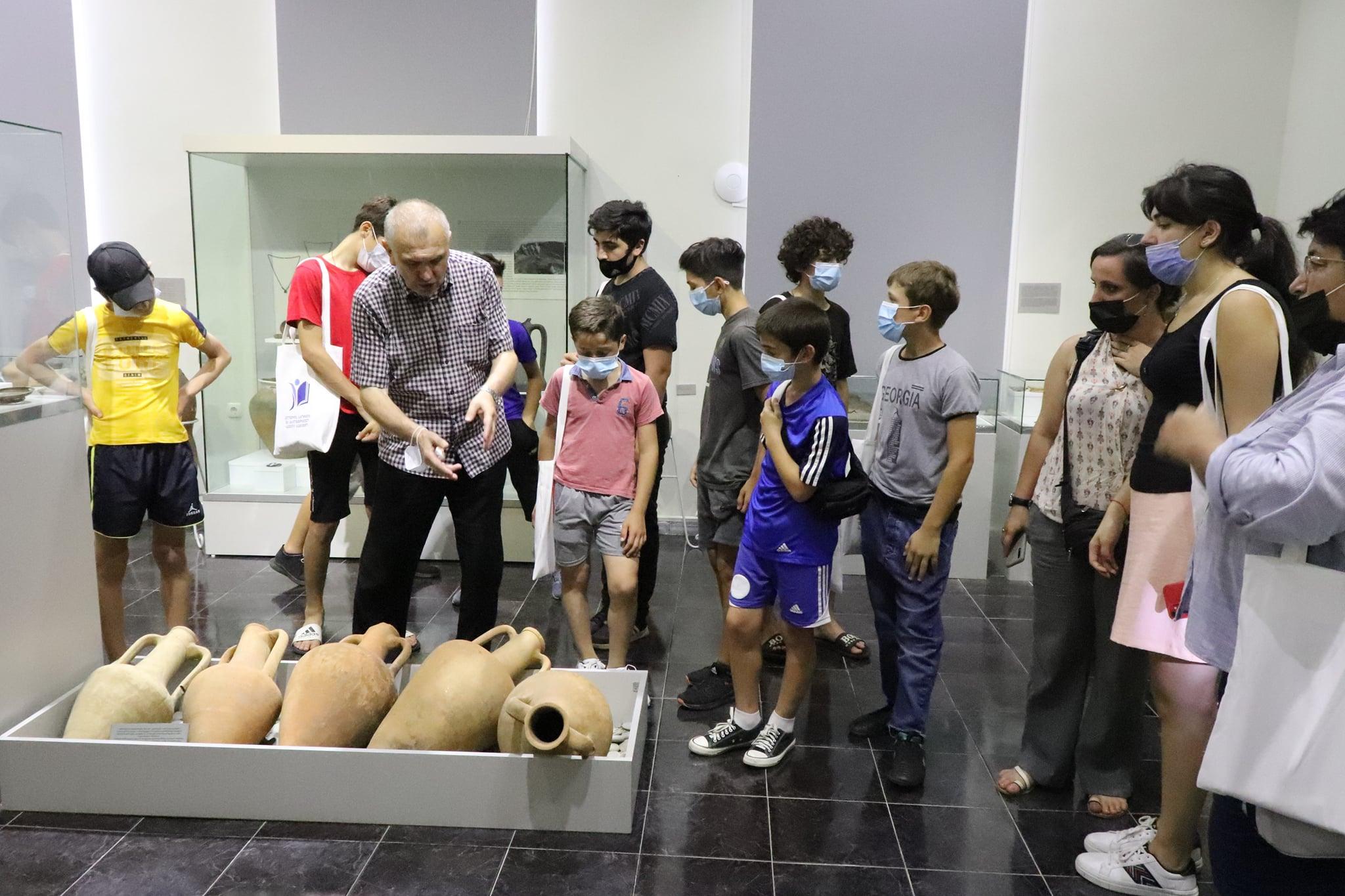 აჭარის ხარიტონ ახვლედიანის სახელობის მუზეუმმა აფხაზეთიდან დევნილ ახალგაზრდებს უმასპინძლა